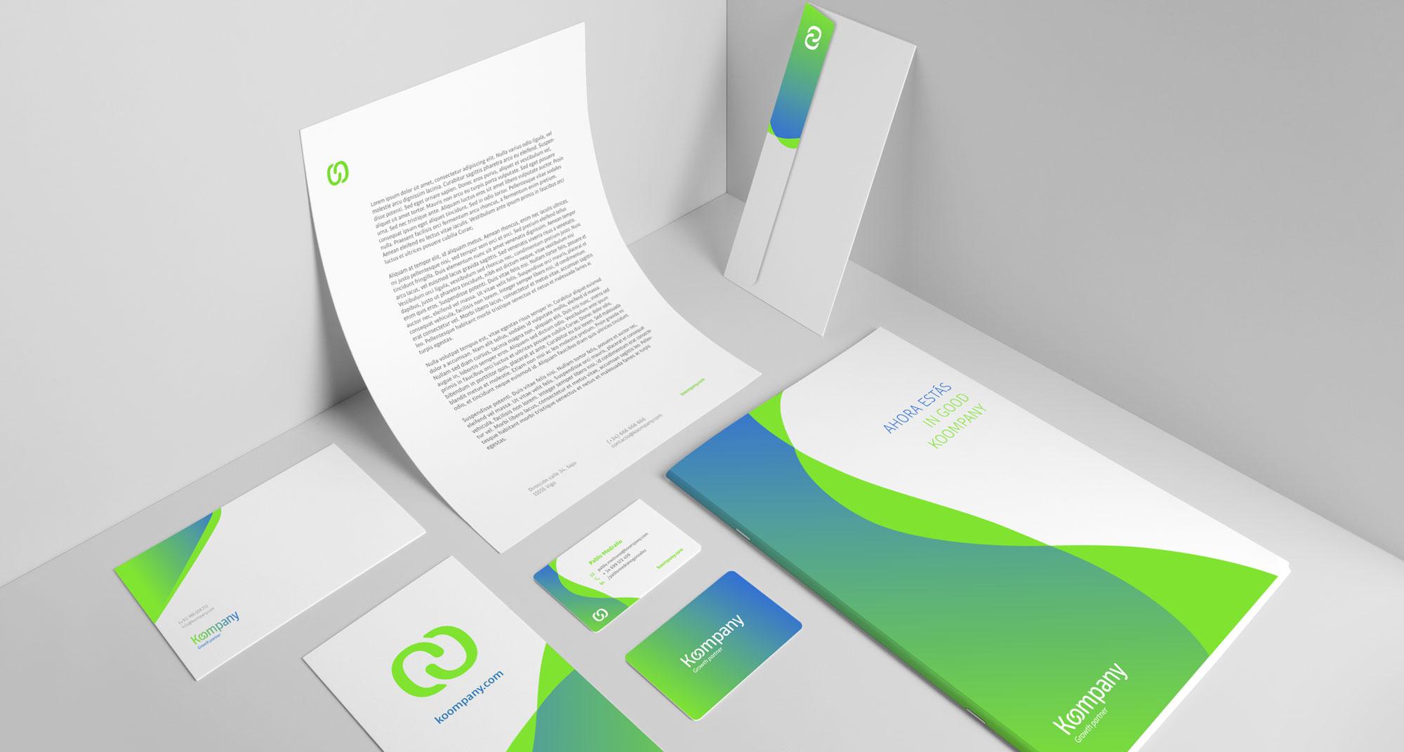 muestra del diseño de la papelería corporativa de la marca, sus colores vivos y brillantes forman parte de la identidad corporativa