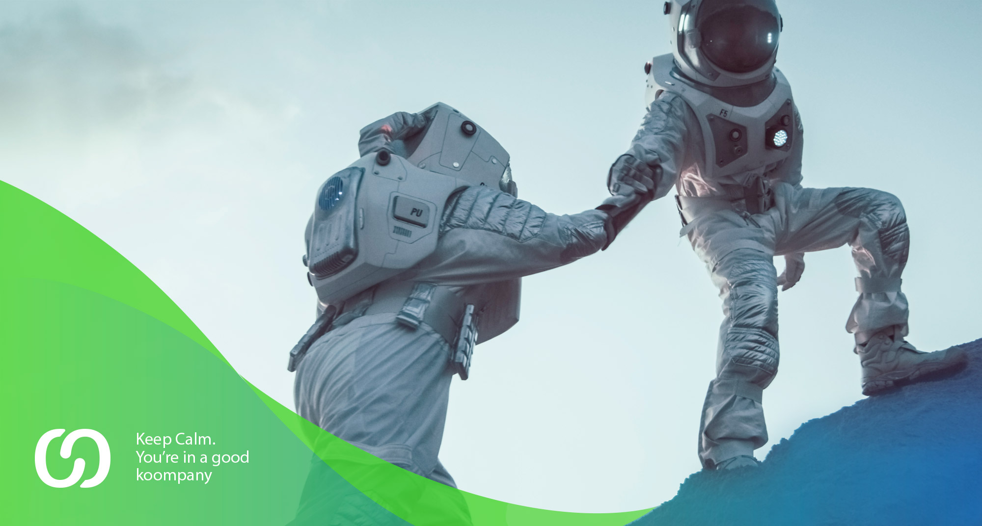 Publicidad de dos astronautasayudándose para empresa de marketing digital y social media