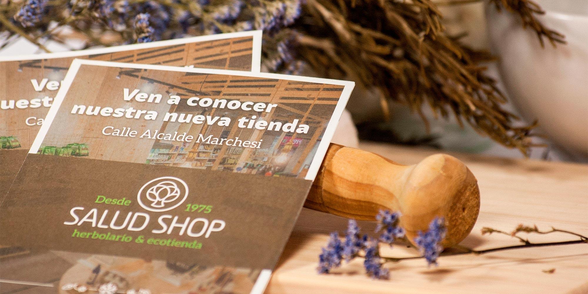 Diseño de flyer para anunciar la apertura de la nueva tienda en A Coruña