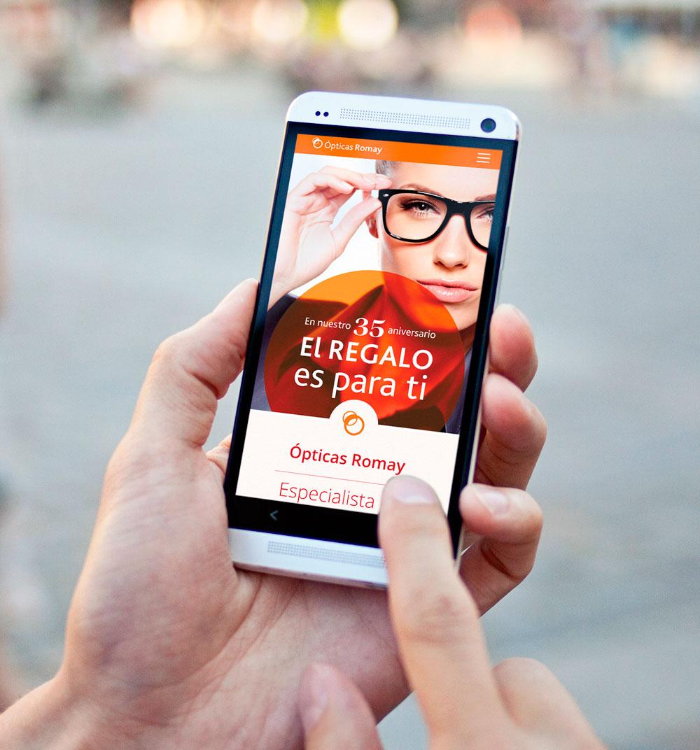 vista de diseño web responsive en teléfono móvil