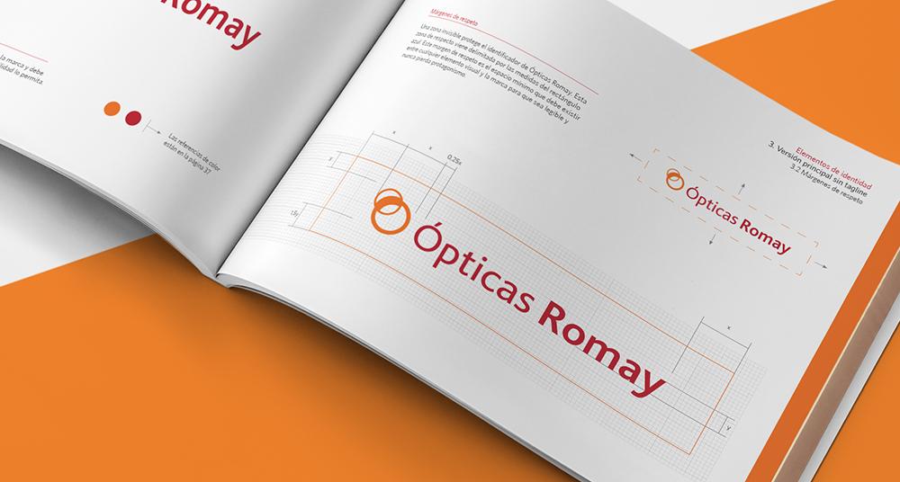 Manual de identidad corporativa o brandbook con el rediseño del logotipo de la marca Romay